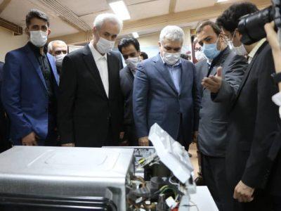بازدید معاون علمی و فناوری رییس جمهوری از نمایشگاه محصولات دانش بنیان دانشگاه سهند