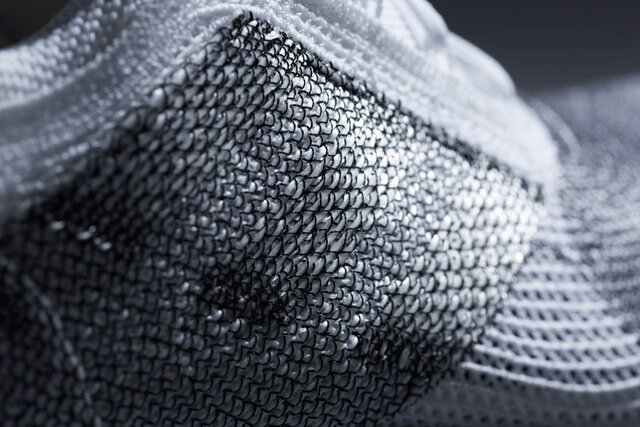 تولید پارچههای حاوی نانوذرات رسانا با قابلیت انتقال پالسهای الکتریکی